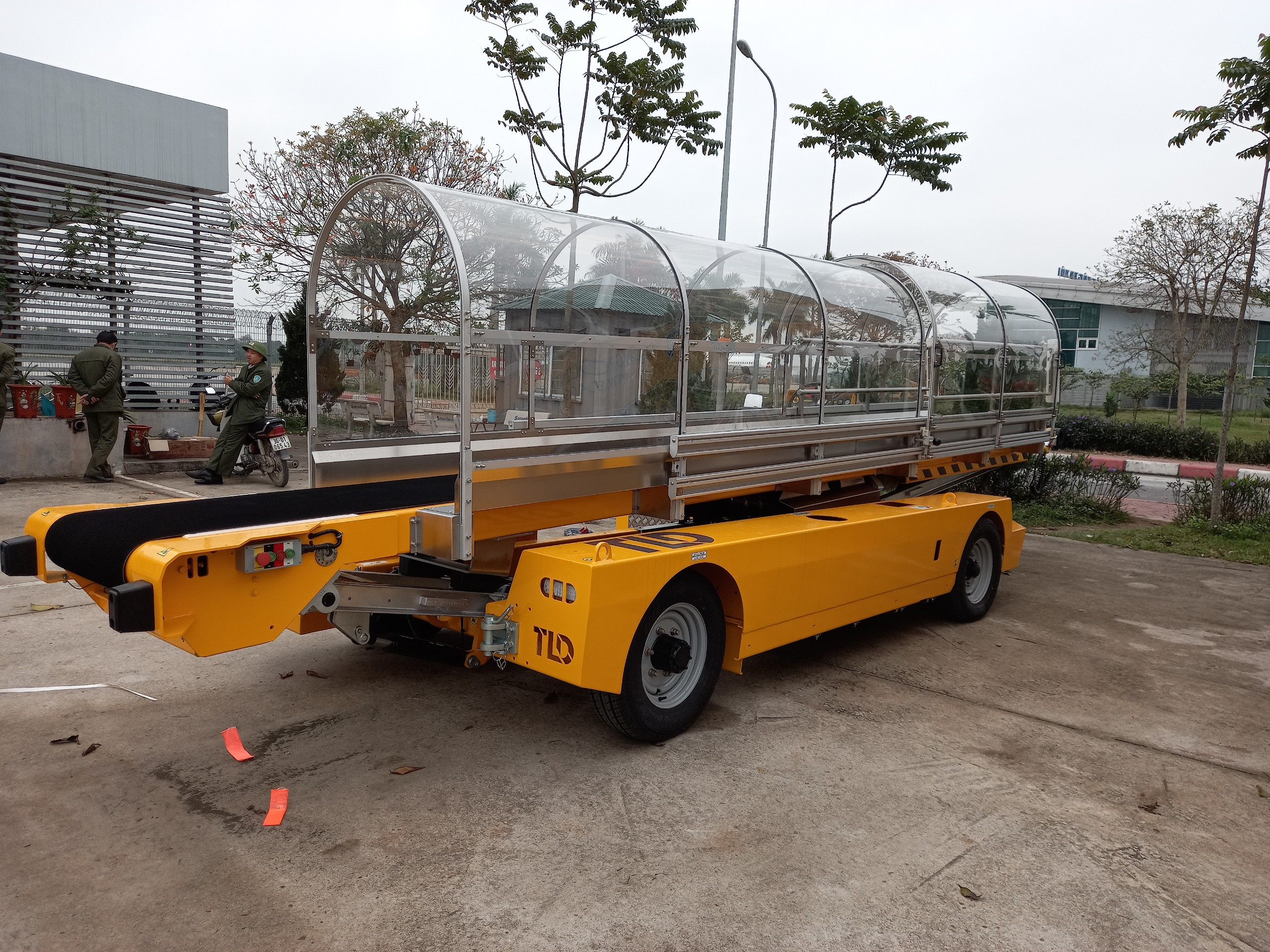 Bàn giao xe băng chuyền hành lý cho ACV tai các sân bay Cần Thơ, Liên Khương, Thọ Xuân và Đồng Hới