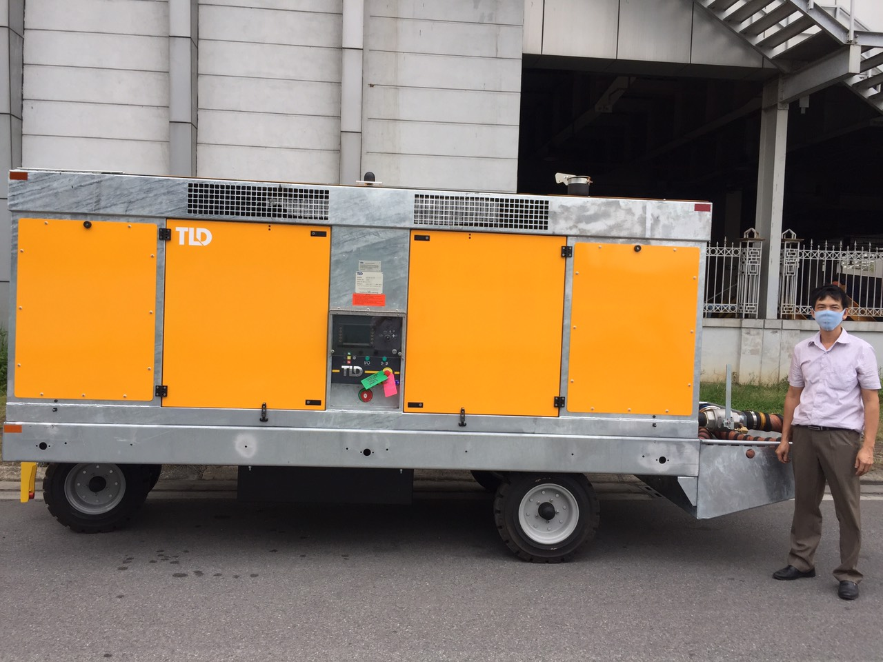 Bàn giao thiết bị khởi động khí ASU-600 -180-DDP cho HGS tại sân bay Nội Bài